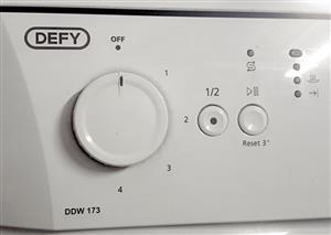 DEFY DDW173 Dishwasher