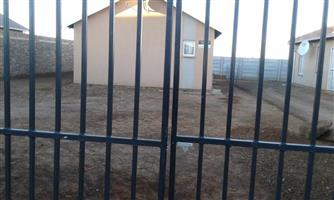 Property with big stand for sale in Savanna city