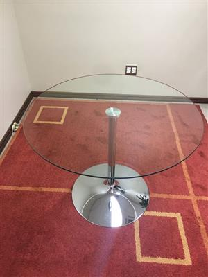 Glass Round Table - 1m