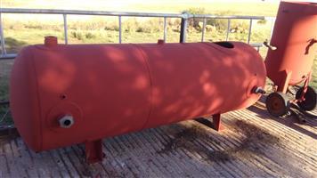 Air receiver and sandblast pot