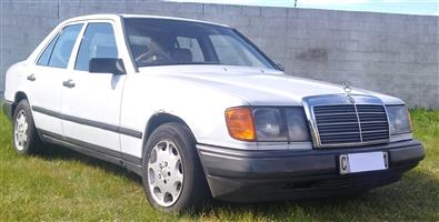 '89 Mercedes-Benz W124 230E A/T