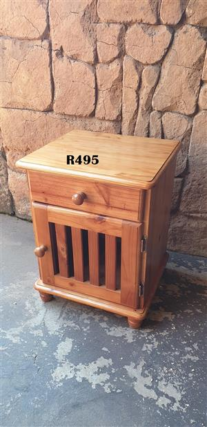 Pine Bedside Chest (470x420x600)