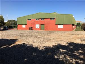 FACTORY / WAREHOUSE TO LET OR FOR SALE IN GATEWAY INDUSTRIAL PARK, CENTURION!