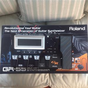 Roland GR55 Guitar and Bass Synthesizer