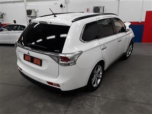2014 Mitsubishi Outl
