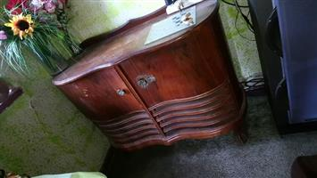 Antique diningroom sideboard