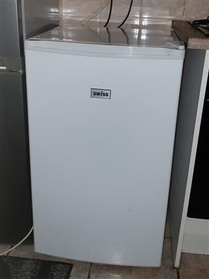 Swiss under counter/bar Freezer